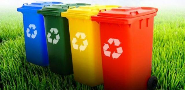 Zdjęcie przedstawiające kosze do segregacji odpadów